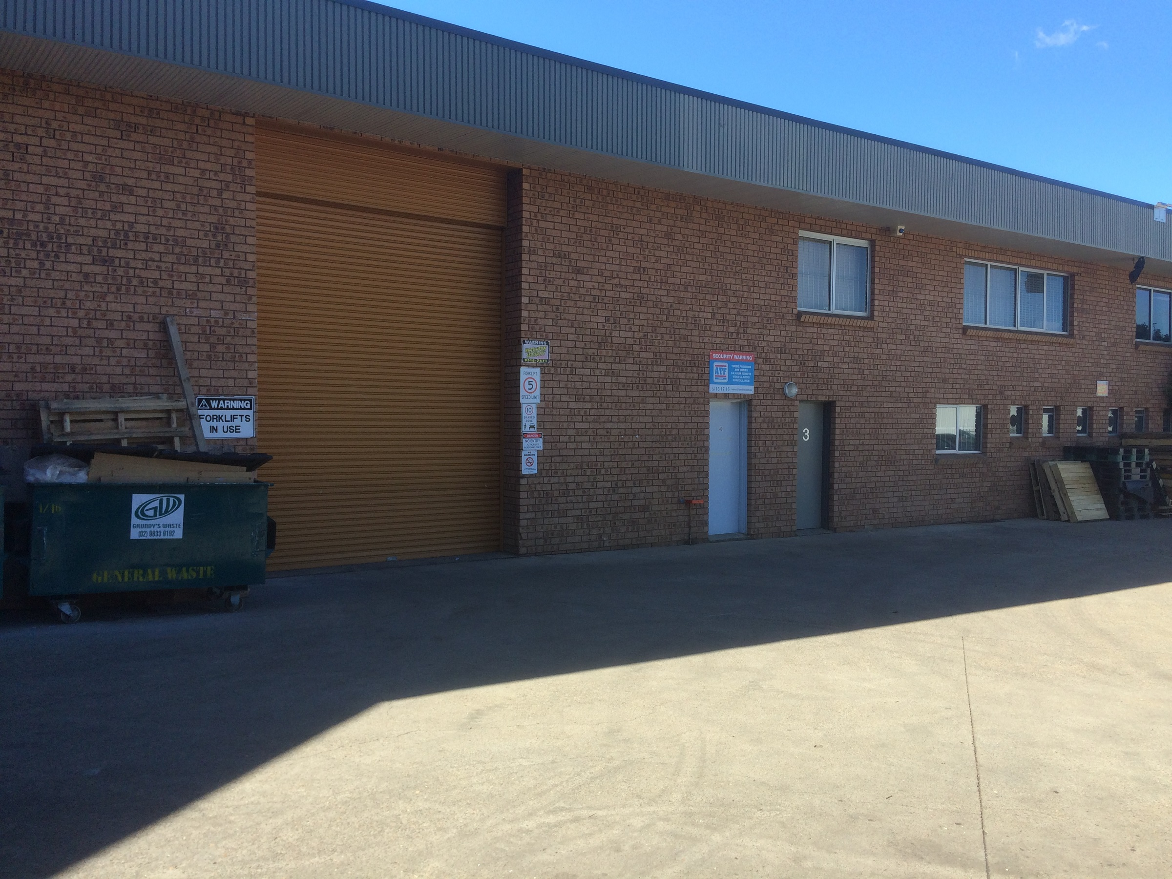 Industrial property for lease in seven hills 3