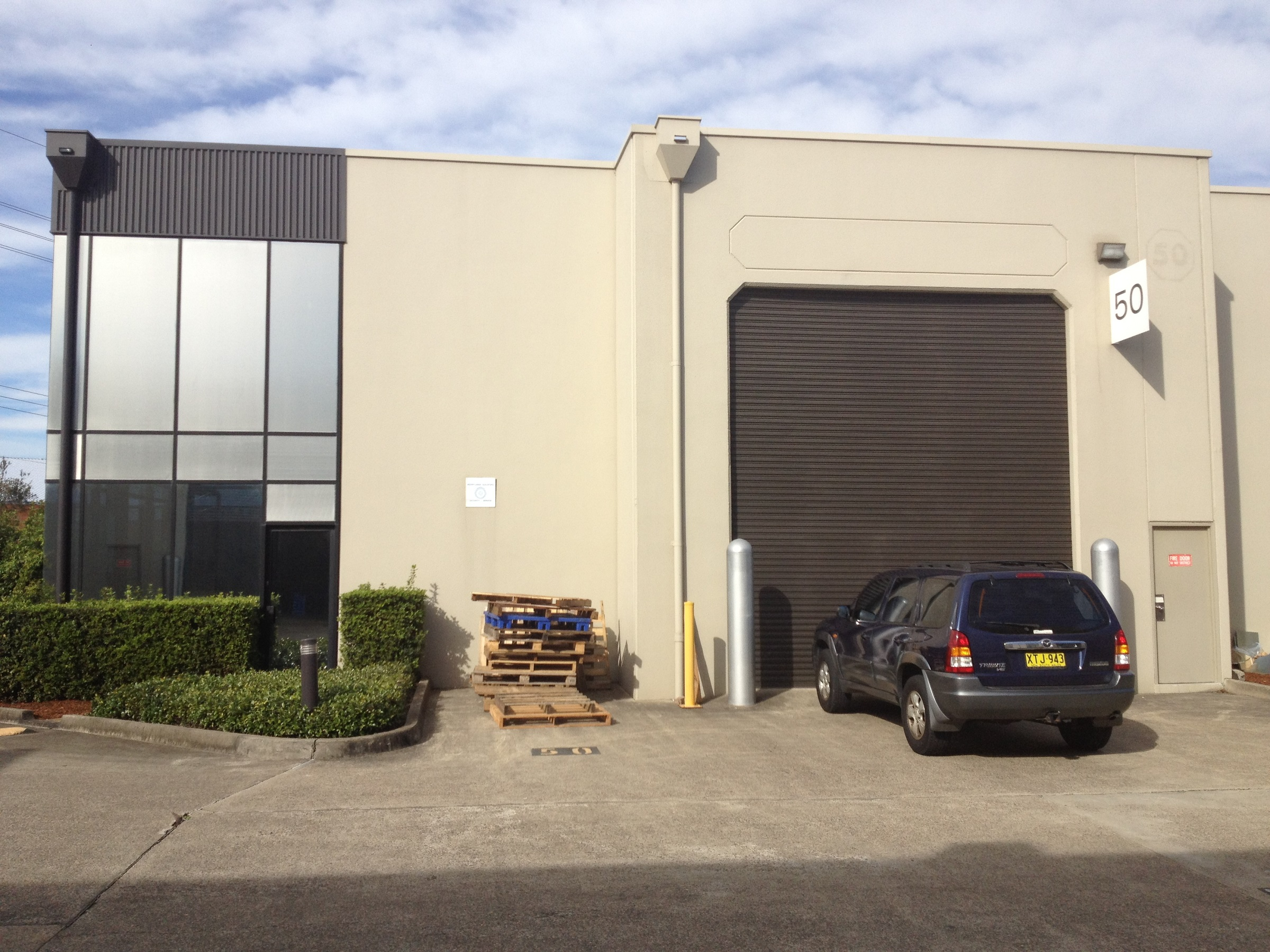 Industrial property for lease in smithfield 1