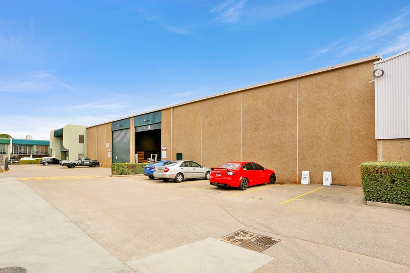 Industrial property for lease in seven hills 2